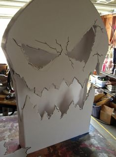 Cool Prop Skull for Halloween. Reminds me of the Nightmare before Christmas movie.