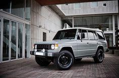 Mitsubishi Pajero -> Hyundai Galloper -> Mohenic Garages redesign - MohenicG Original Classic Tweed Grey. www.the.co.kr