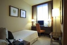 Hotel Nuevo Madrid -Hotel Nuevo Madrid Features      Golf     Interior Corridor     Convention Center     First Class Hotel     Dry Cleaning      High-speed internet     Nonsmoking     Meeting rooms     Family Rooms     Restaurant