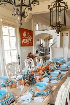Are you looking for Fall tablescapes ideas? I have 10 Fall themed Tablscapes ideas for you. These simple Fall tablescapes are what you need. I have fall tablescapes that fit everyone's styles, from farmhouse to elegant Thanksgiving tablescapes that are elegant. If you want more Fall inspiration, visit Home with Holly J. Orange Plates, Thanksgiving Tablescapes, Holiday Tables, Thanksgiving Blessings, Christmas Tables, Thanksgiving Decorations, Christmas Holiday, Holiday Fun, Fall Table
