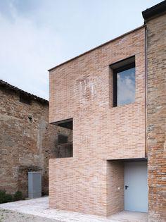 Addition to  S. Maria Convent / LR-Architetti
