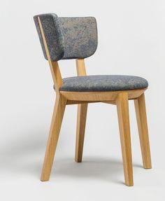 Krzesło Gnu, projekt Tomek Rygalik dla Comforty, w obiciu Memory autorstwa Patricii Urquioli, Kvadrat - zdjęcie