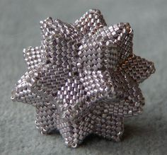 WOOOW its a beaded kusudama!!!! <3 <3 <3