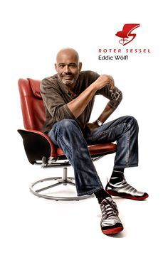 Starfotograf Eddie Wölfl auf dem Roten Sessel Star Wars, Movie Posters, Movies, Armchair, Red, 2016 Movies, Film Poster, Films, Popcorn Posters