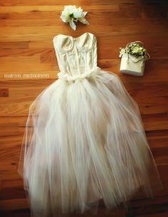No-Sew Super Full Tulle Skirt Tutu {DiY} Photo prop Sue Bryce inspired :) https://www.facebook.com/HamptonphotographyNY