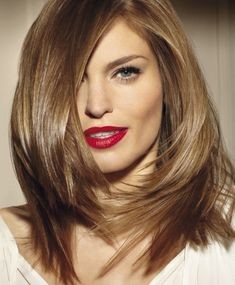 Layered haircuts for medium length hair - Frisuren Stil Medium Hair Cuts, Medium Hair Styles, Short Hair Styles, Short Hair Cuts For Women Edgy, Bob Styles, Short Cuts, Mid Length Hair, Shoulder Length Hair, Haircut For Thick Hair