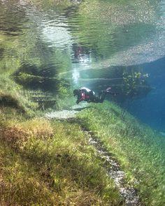 Belíssimo lago verde é explorado por mergulhadores, quero ir la :O