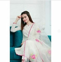 Stylish Dresses For Girls, Stylish Dress Designs, Dress Neck Designs, Designs For Dresses, Simple Dresses, Blouse Designs, Indian Fashion Dresses, Dress Indian Style, Indian Designer Outfits