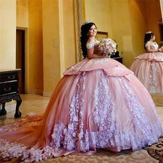 Fascinating Off-the-shoulder Appliques Ball Gown Quinceanera Dresses Xv Dresses, Puffy Dresses, Prom Dresses, Ball Dresses, Formal Dresses, Mexican Quinceanera Dresses, Robes Quinceanera, Rose Gold Quinceanera Dresses, Tulle Ball Gown