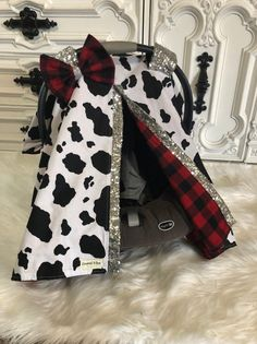 Car seat canopy , cow print and buffalo plaid Cute Baby Girl, Cute Babies, Buffalo Plaid, Western Babies, Country Babies, Baby Planning, Baby Necessities, Baby Must Haves, Rustic Baby