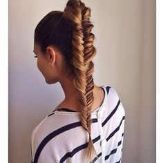 19 Fishtail Hairstyles for that hip look  Hairstyle Monkey Fishtail Braid Hairstyles, Fishtail Ponytail, Ponytail Haircut, Plait Hair, Natural Hair Styles, Long Hair Styles, Hair Game, Haircut Styles, Hair Dos