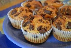 Čokoládové muffiny s banánem - recept. Přečtěte si, jak jídlo správně připravit a jaké si nachystat suroviny. Vše najdete na webu Recepty.cz. Breakfast Recipes, Dessert Recipes, Desserts, Cheesecake Pops, Yummy Mummy, Home Food, Keto Recipes, Food Porn, Food And Drink
