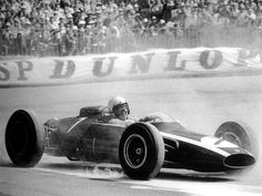 1963, Cooper Car Company Climax T66, Bruce McLaren Bruce Mclaren, Cooper Car, Racing Events, Mc Laren, Vintage Race Car, Indy Cars, Car And Driver, World Championship, Courses