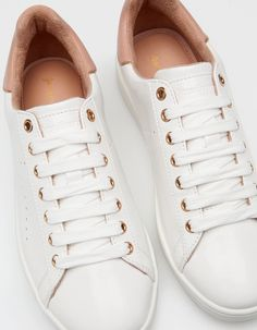 At Stradivarius you'll find 1 White sneakers for woman for just € . Platform Tennis Shoes, White Tennis Shoes, White Shoes, White Sneakers, Shoe Boots, Shoes Sandals, Shoes Sneakers, Pretty Shoes, Beautiful Shoes