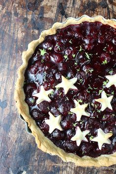 Lime and Fresh Cherry Pie | Veggie Desserts Blog