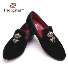 99.00$  Watch here - http://ali6ll.worldwells.pw/go.php?t=32469142433 - Piergitar Bees Indian silk embroidery men velvet shoes fashion Men Loafers wedding and party male shoe Men Flats Size US 4-17 99.00$