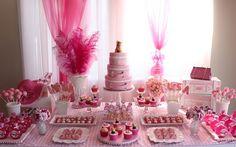 Inspire-se com 60 mesas decoradas de aniversário infantil - Filhos - iG Baby Girl Birthday Theme, Birthday Candles, Diy Crafts, Candy, Table Decorations, Sweet, Kids, Catering, Craft Ideas