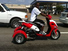 This moped is #beast - and homie was zipping in and out of traffic with it.