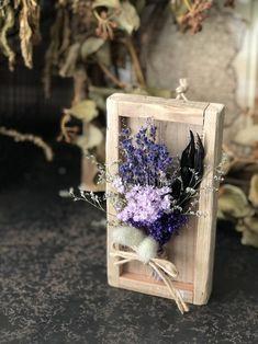 植物の標本!!ドライフラワーウッドプレート パープル Flower Crafts, Diy Flowers, Flower Frame, Flower Art, Branch Decor, Clinic Design, Dried Flower Bouquet, How To Preserve Flowers, Diy Home Crafts