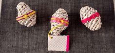 Su Pinterest,ho trovato un tutorial per realizzare da cannucce di carta di giornale delle uova decorative per la casa. Ecco come fare. Tutorial, Women, Woman