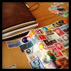 Midori Travelers Notebook pimpen met oude postzegels.