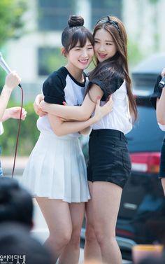 OH MY GIRL JiHo and ARin