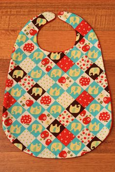 DIY Tutorial & Free Pattern: Fabric, Convertible Pelican-Style Bib