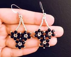 Hübscher Perlenschmuck, den Designer sofort machen möchten und … … Pretty pearl jewelry that designers want to make immediately and … jewelry Bead Jewellery, Beaded Jewelry, Jewelery, Handmade Jewellery, Pearl Jewelry, Diy Schmuck, Schmuck Design, Seed Bead Earrings, Beaded Earrings