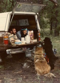 camping and dogs, the best things in life Into The Wild, Adventure Awaits, Adventure Travel, Camping Sauvage, A Well Traveled Woman, Go Camping, Truck Camping, Camping Dogs, Outdoor Camping