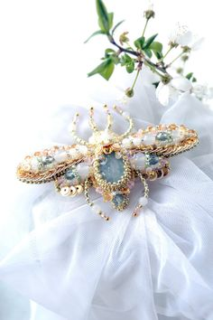 Bug brooch READY to ship! Nature jewelry, insect jewelry, beetle jewelry, beetle brooch, bug brooch, bead embroidery, beaded beetle. #BestofEtsy #Design