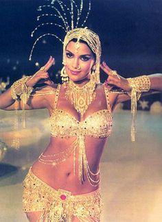 The White Cotton Saree Look – Zeenat Aman from Satyam Shivam Sundaram Bollywood Actress Hot Photos, Beautiful Bollywood Actress, Most Beautiful Indian Actress, Bollywood Celebrities, Vintage Bollywood, Indian Bollywood, Bollywood Cinema, Bollywood Stars, Saree Look