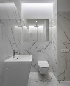 Tiles are important design materials for a well-sophisticated modern bathroom. No other design mater Modern Bathroom Tile, Bathroom Tile Designs, Bathroom Trends, Modern Bathroom Design, Bathroom Interior Design, Small Bathroom, Bathroom Tiling, Bathroom Wall, Bathrooms
