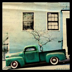 swampzoid | Old Truck in San Francisco