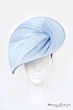 Hats & Headwear - dress your head - Frauenschmuck Facinator Hats, Fascinators, Headpieces, Fancy Hats, Cool Hats, Royal Ascot Hats, Crazy Hats, Costume Hats, Millinery Hats
