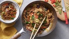 Stir Fry Recipes, Noodle Recipes, Vegan Stir Fry, Pesto Pasta Recipes, Dry Rice, Honey And Soy Sauce, Fresh Chives, Have Time