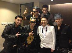 Psy Oppa and the boys from Big Bang at the MAMA awards last night. Top Bigbang, Daesung, Ringa Linga, Mama Awards, Hyun Suk, Asian Games, Mnet Asian Music Awards, Asian Hotties, Fantastic Baby