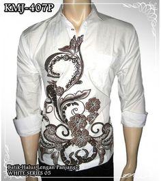 Kemeja batik pria lengan panjang warna putih KMJ-407P bahan katun primissima halus koleksi www.rajapadmistore.com, hanya Rp 69.000.