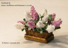 Dollhouse flower arrangement -  White & Purple Lilacs - 1:12 miniature flowers (GF17). €25.00, via Etsy.