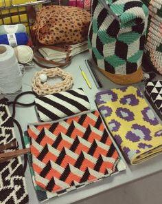 Molla Mills Crochet Cow, Crochet Cactus, Tunisian Crochet, Crochet Motif, Crochet Yarn, Crochet Stitches, Mochila Crochet, Crochet Pouch, Tapestry Crochet Patterns