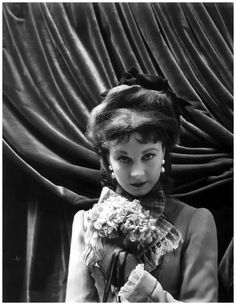 Vivien Leigh as Anna Karenina, 1947 photo Cecil Beaton  https://pleasurephotoroom.wordpress.com/tag/vivien-leigh/page/2/
