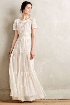 Embroidered Lera maxi dress (just put a white ribbon around the waist) - Rock & Kleid - Modest Fashion Modest Dresses, Modest Outfits, Modest Fashion, Pretty Dresses, Beautiful Dresses, Summer Dresses, Modest White Dress, Gq Fashion, White Maxi Dresses