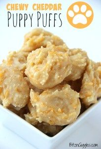 Puppy Puffs Chewy Cheddar Puppy Puffs - A chewy and cheesy homemade treat your pet is sure to love!Chewy Cheddar Puppy Puffs - A chewy and cheesy homemade treat your pet is sure to love! Puppy Treats, Diy Dog Treats, Healthy Dog Treats, No Bake Dog Treats, Soft Dog Treats, Pumpkin Dog Treats, Dog Biscuit Recipes, Dog Treat Recipes, Dog Food Recipes