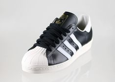 https://www.google.fi/search?client=firefox-b-ab&dcr=0&biw=1920&bih=971&tbm=isch&sa=1&ei=TXY-Wo6KO6LO6ASG-pLIBQ&q=adidas+superstar+black+white&oq=adidas+superstar+black+white&gs_l=psy-ab.3...133534.144104.0.144271.0.0.0.0.0.0.0.0..0.0....0...1c.1.64.psy-ab..0.0.0....0.Oc6-PZLbrZk#imgrc=9LMiXBKfhZ9A7M: