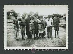Fotografía antigua: Grupo familiar africano. Posiblemente Guinea. c.1955 - Foto 2 - 26729602