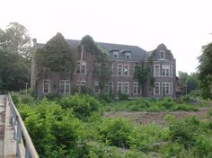Pennhurst State School and Hospital | The Administration Building at Pennhurst State Hospital