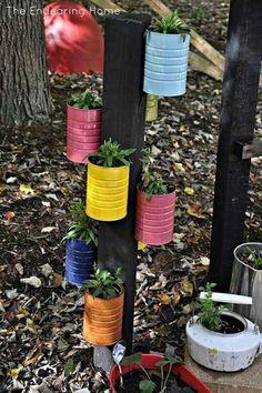 Recycled Tin Can Planter Tin Can Crafts, Fun Diy Crafts, Coffee Can Crafts, Soup Can Crafts, Crafts With Tin Cans, Decor Crafts, Recycled Tin Cans, Recycled Crafts, Recycled Garden Art