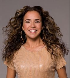 Daniela Mercury cancela participação em campanha contra a Aids - http://epoca.globo.com//colunas-e-blogs/bruno-astuto/noticia/2013/08/bdaniela-mercuryb-cancela-participacao-na-campanha-cabeleireiros-contra-aids.html