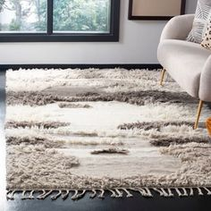 Shop Safavieh Hand-knotted Kenya Kinley Southwestern Tribal Wool Rug - On Sale - Overstock - 13267979 - x - Ivory/Grey Area Rug Sizes, Area Rugs, Rug Size Guide, Southwestern Style, Fashion Room, Living Room Sets, Home Decor Trends, Unique Rugs, Online Home Decor Stores