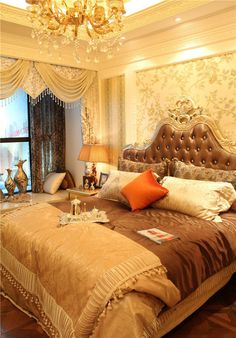 http poshinteriors com interior design old world 11377 | d5c4aac5f5cffe725d3fb42a5a6fee28 gold bed bedroom decor