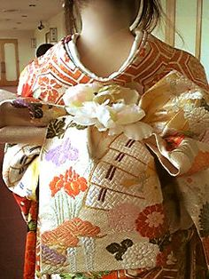 「how tie fancy obi knots」の画像検索結果 Traditional Kimono, Traditional Fashion, Traditional Outfits, Japanese Geisha, Japanese Kimono, Kabuki Costume, Kimono Japan, Wedding Kimono, Kimono Design